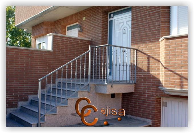 barandilla para escalera de exterior entrada a vivienda