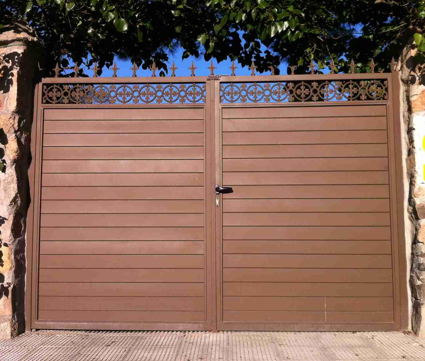 Puertas de chapa puerta de dos hojas en chapa perfil puerta - Puertas de chapa ...