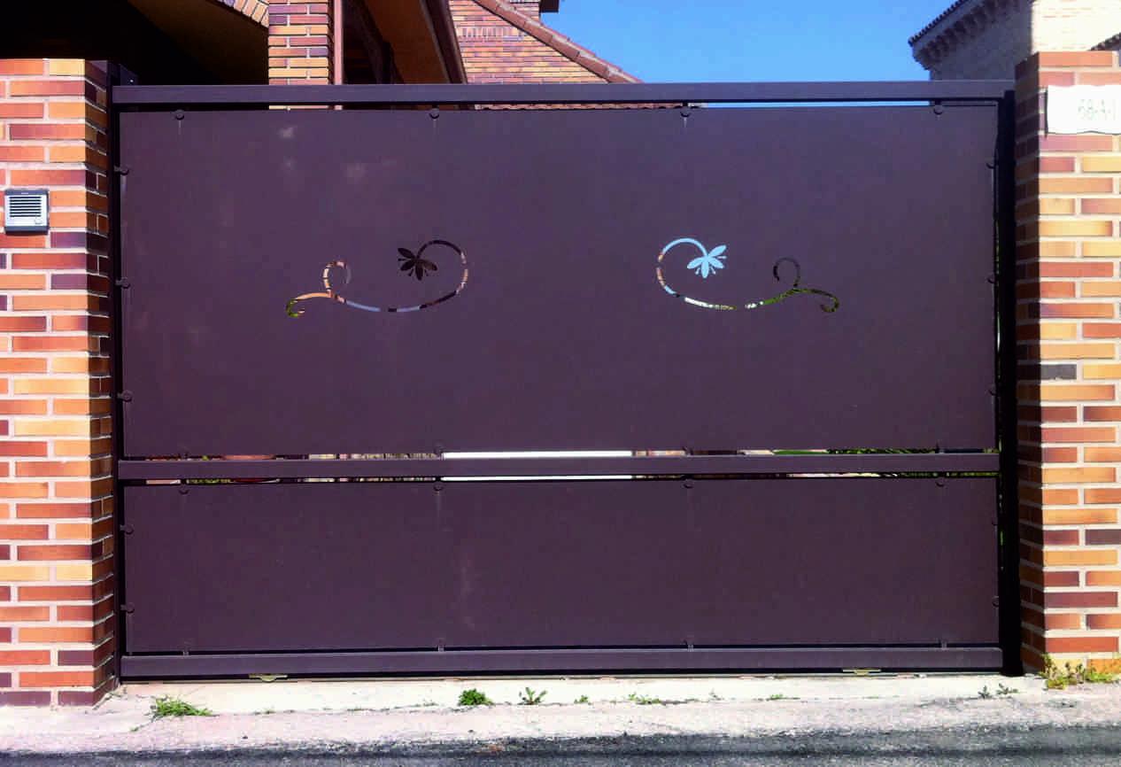 Puertas de chapa puerta corredera de chapa corte de plasma - Puertas de chapa ...