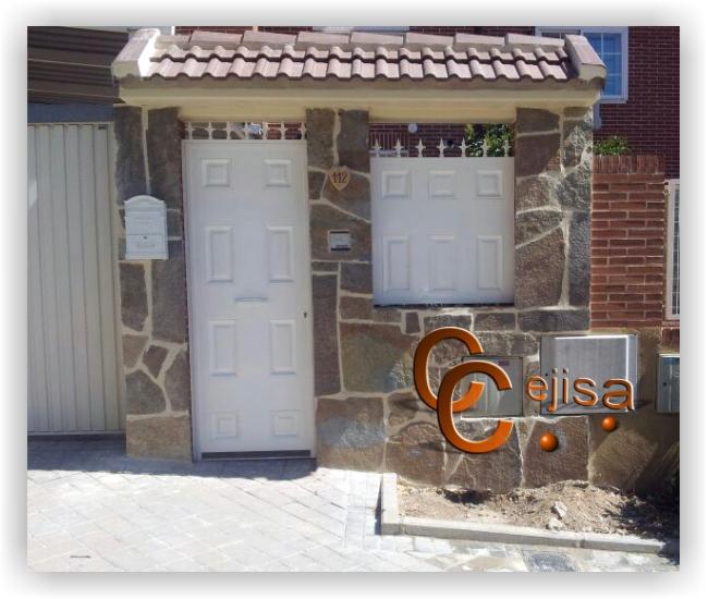 Puertas de hierro en modelo chapa lisa y cuarter n for Modelos de puertas de hierro para casa
