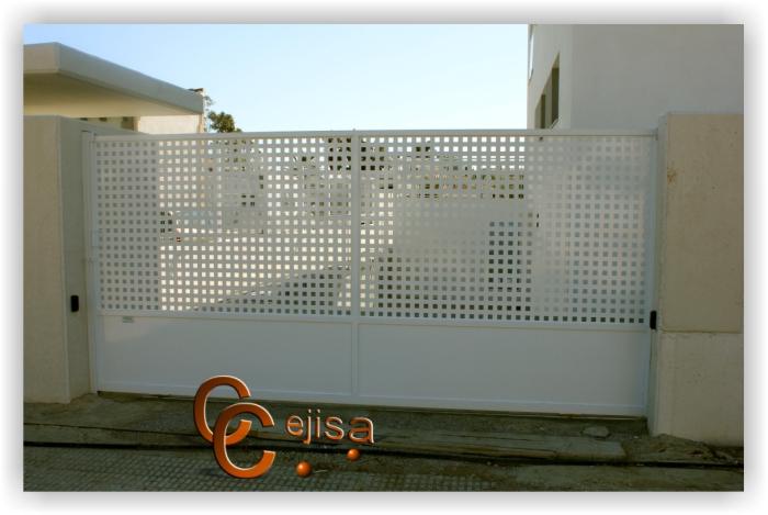 Puerta modelo chapa perforada de acceso a veh culos - Puerta de chapa ...