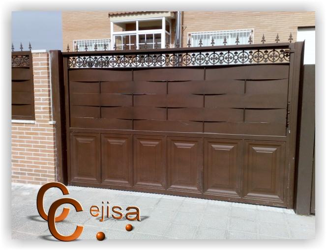 Puerta corredera exterior latest puertas correderas for Puertas correderas hierro exterior