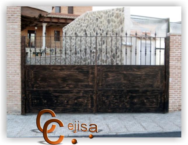 Puerta de entrada en dos hojas modelo hierro envejecido - Modelos de puertas de hierro ...