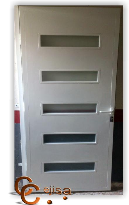 Puerta met lica con cristal de acceso peatonal a garaje for Puerta garaje metalica