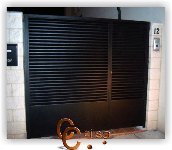 Puertas en modelo lamas puerta de entrada de lamas en z - Puertas exterior hierro ...