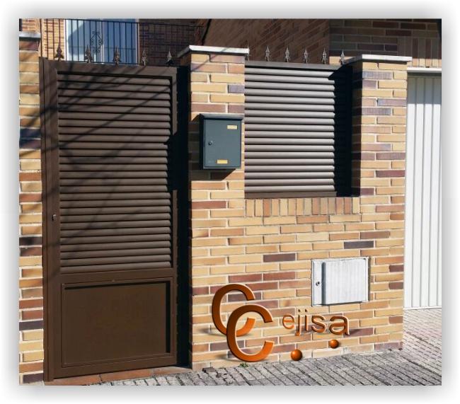 Puerta peatonal y valla en modelo lama el ptica - Puerta de lamas ...