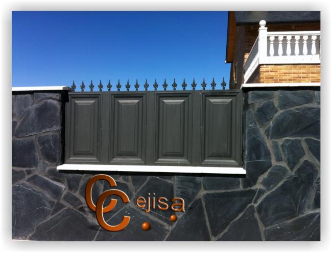 Valla met lica de exterior en modelo cuarterones - Puertas de valla ...